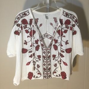 Forever 21 White Top with embroidered Roses